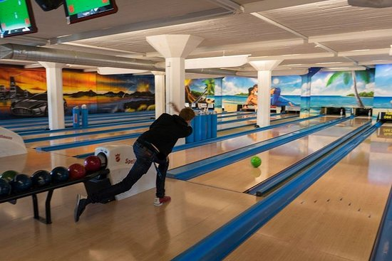 Dubendorf, Switzerland: Bowling