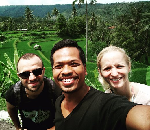 Lovina Beach, อินโดนีเซีย: At Munduk village with Gabriele & Angela from Germany
