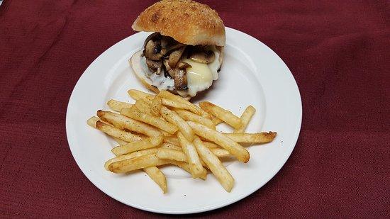Croton Falls, نيويورك: Shroom Burger