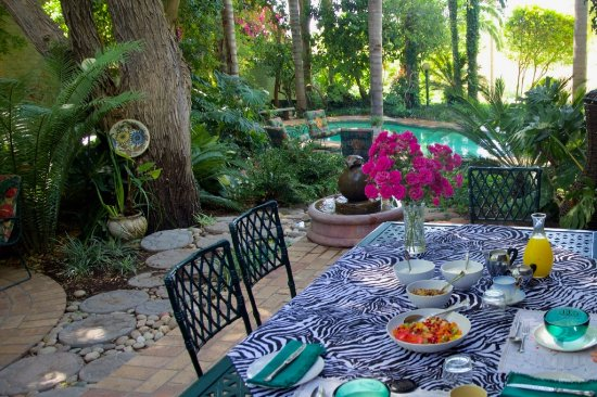 A Riviera Garden Bed & Breakfast