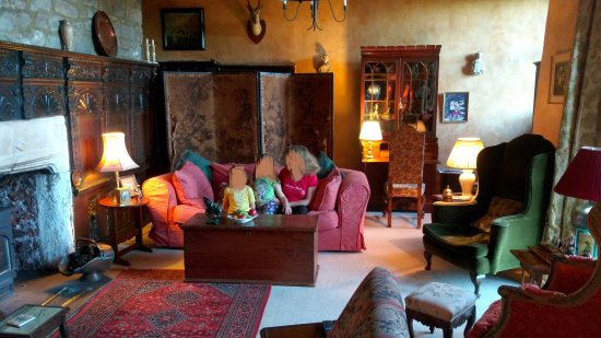 Littledean, UK: living room (common space)