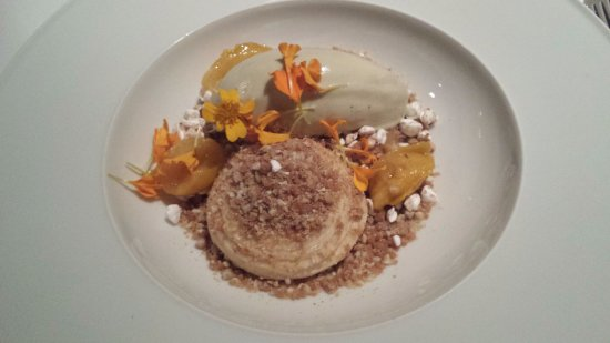 Cookies Cream: Verbena ice with Mirabelle plum and dulce de leche