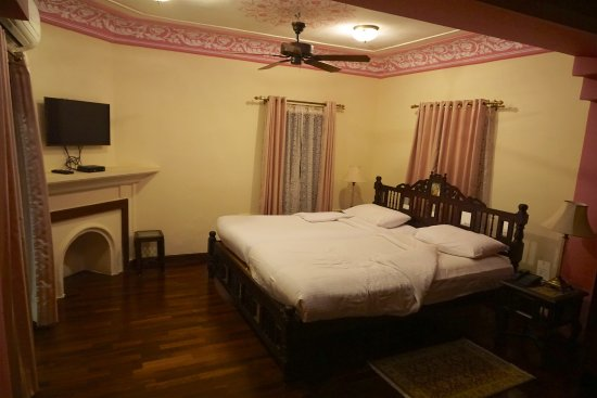 Royal Heritage Haveli: Bedroom of our suite