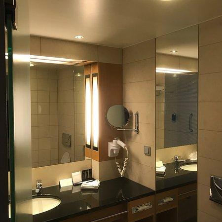 Steigenberger Airport Hotel Amsterdam: photo1.jpg