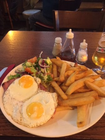 Wincanton, UK: Ham egg and chips