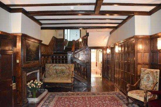 Sutton Scotney, UK: Entrance to Manor House, Norton Park