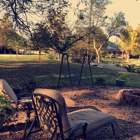 Country Charm Bed and Breakfast : photo4.jpg