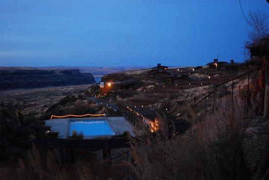 Cave B Inn & Spa Resort Photo