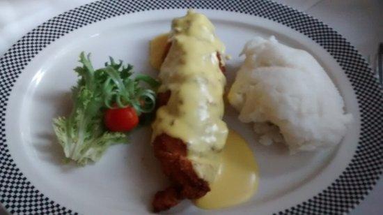 The Bull Run Restaurant: Frango recheado com queijo