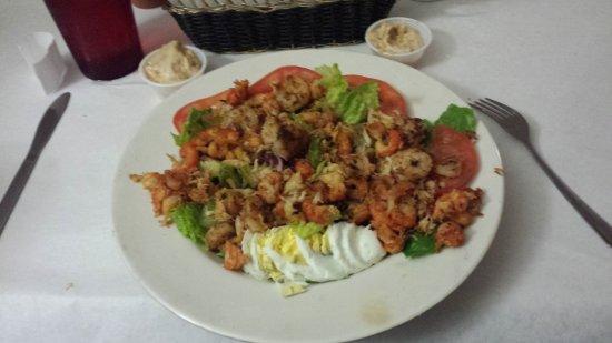 Jeanerette, لويزيانا: Seafood Salad Grilled (shrimp, crawfish and crabmeat)