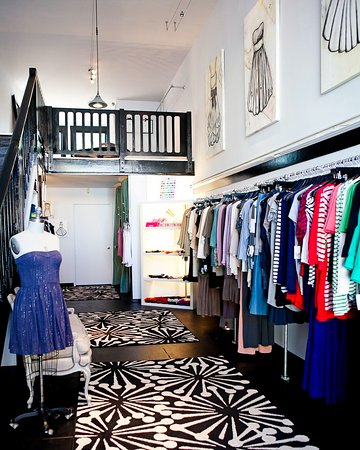 Berkeley, CA: small boutique filled with lots of designers