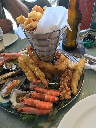 Narooma, Australia: Seafood platter for two