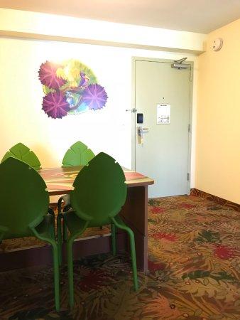 Disneyu0027s Art Of Animation Resort: Lion King Suite: Dining Table/murphy Bed