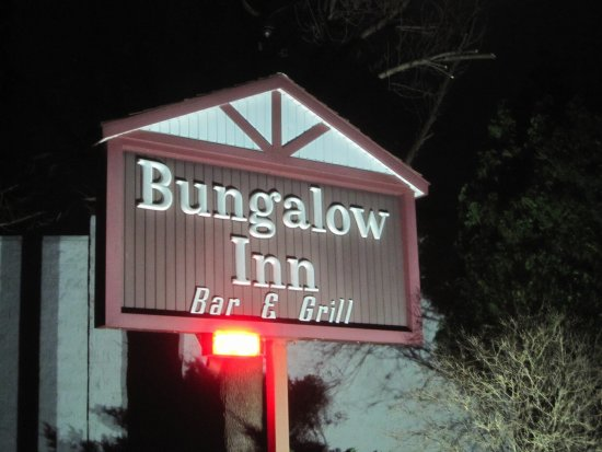 Lakeland, MN: Outside sign
