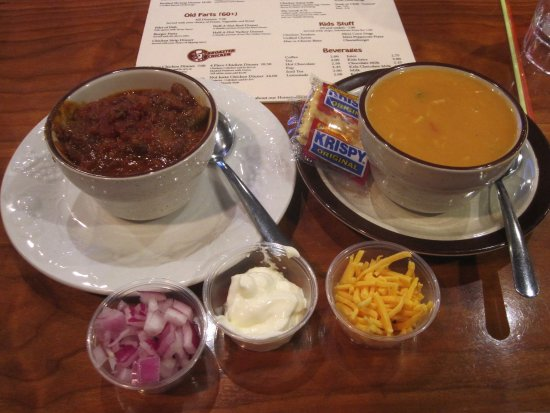 Bayport, MN: Chili and Torella Chicken Soup