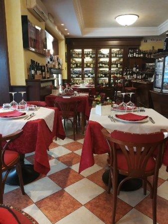 Neive, Italy: IMG_20171202_121703_large.jpg