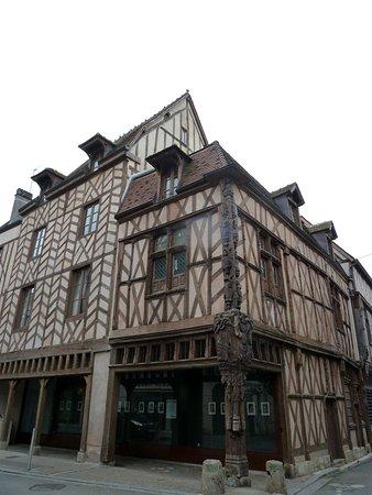 Sens, Frankrike: maison d'Abraham