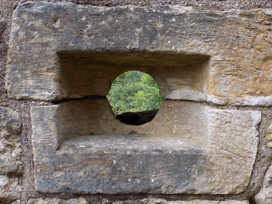 Uddingston, UK: arrow hole.