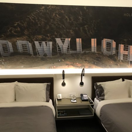 Stylische moderne Zimmer - Picture of InterContinental Los Angeles ...