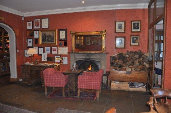 Whitewell, UK: Entrance lounge