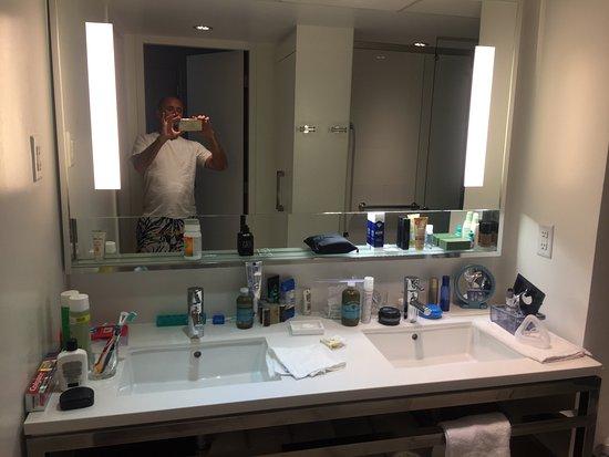 Renaissance Aruba Resort U0026 Casino: Dual Vanity Sink