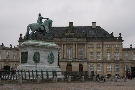 SANDEMANs NEW Europe - Copenhagen: Amalienborg, Home of the Danish Royal Family