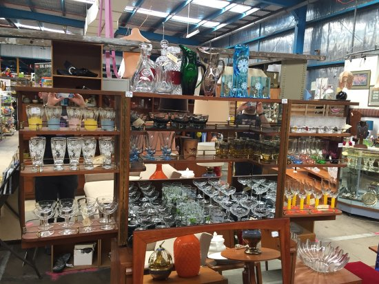Glen Waverley, Australia: vintage glass heaven