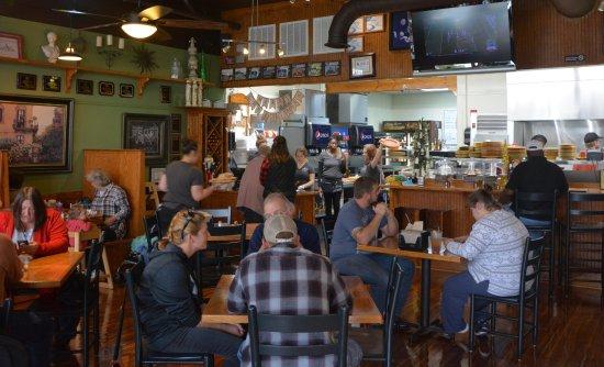 Lincolnton, Carolina del Norte: Dining Room with Big Screen TV's Left Side