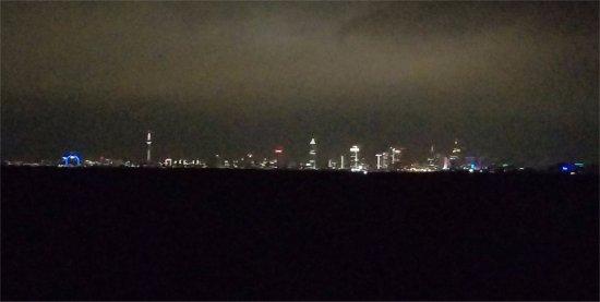Hilton Garden Inn Frankfurt Airport: blurry view of Frankfurt skyline from room at night