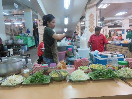 Warorot Market (Kad Luang): Street food