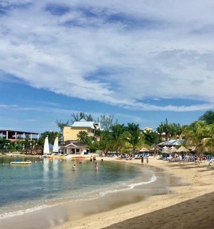 Jewel Paradise Cove Resort & Spa: The property at Jewel Paradise Cove