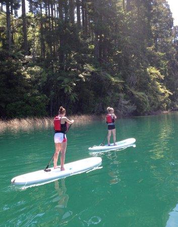 Rotorua Paddle Tours: Blue lake.
