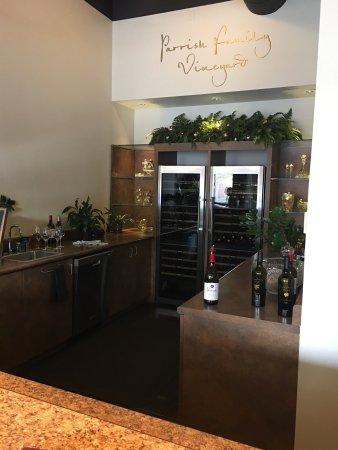 Parrish Family Vineyard: Interior
