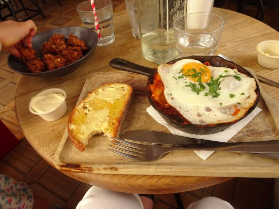 Hemingway's : Breakfast Cassoulet