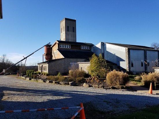 Bardstown, Κεντάκι: Willett distillery grounds