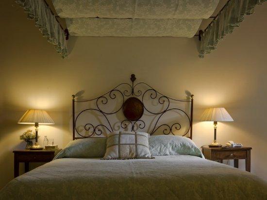 Villa di Monte Solare: Guest room