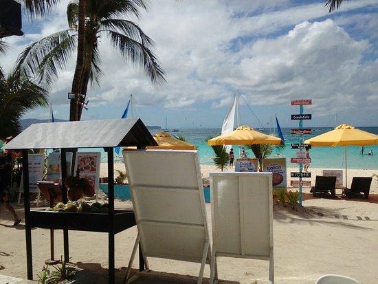 Boracay Sands Hotel: IMG_20170922_083609_large.jpg