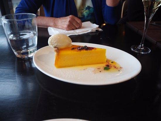 Gippsland, Αυστραλία: lemon tart was delicious apparently -especially the crust