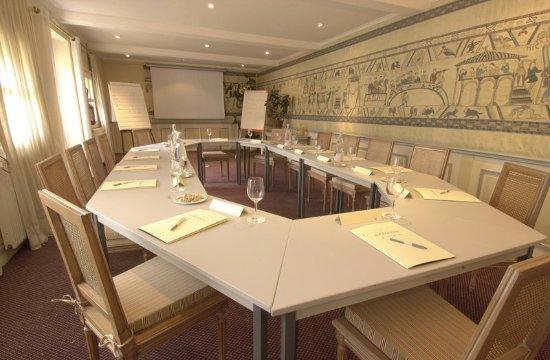 Chateau la cheneviere updated 2017 prices hotel - Restaurant fleur de sel port en bessin ...