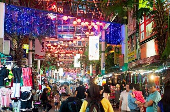 Excursão a pé à noite em Chinatown em...