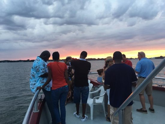 Hampton, VA: Making Memories on Crabtown Cruises!