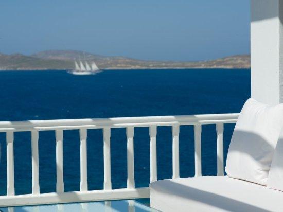 Mykonos Grand Hotel & Resort: Exterior