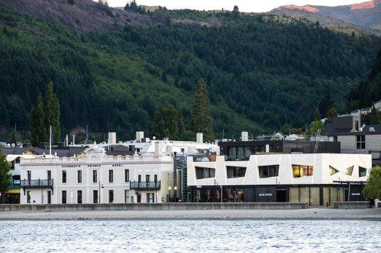 Eichardt's Private Hotel: Exterior