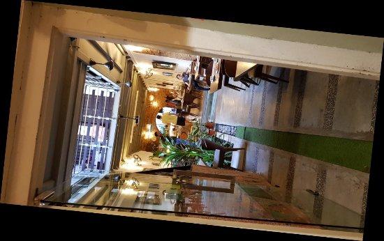 Courtyard @ Heeren Boutique Hotel: 20171202_083325_large.jpg