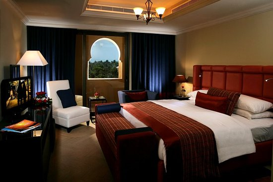Arjaan by Rotana: Guest room