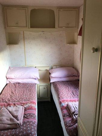 Glenlivet, UK: Twin beds in the second bedroom