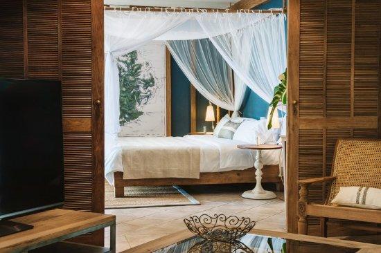 Paradise Cove Boutique Hotel: Suite