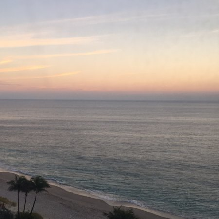 Ocean Manor Beach Resort Hotel: November 2016 - View from Room 919