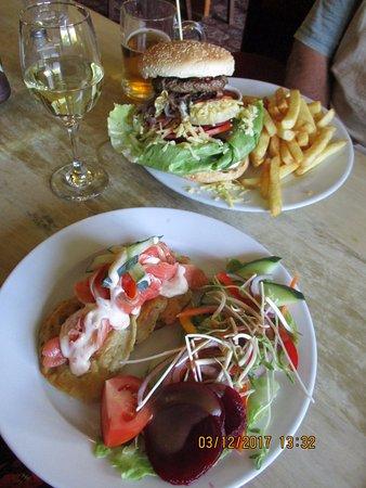 Te Kauwhata, New Zealand: Lovely pub grub!