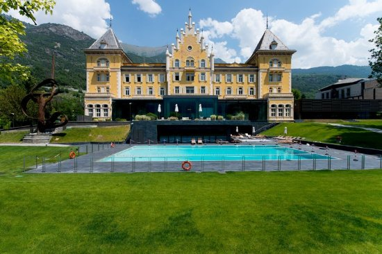 Grand hotel billia updated 2018 prices reviews saint - Hotel con piscina valle d aosta ...